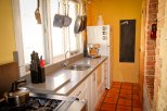 Artists' Residence Fremantle kitchen