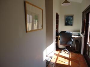 Light, bright office nook