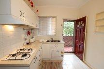 Bright and functional kitchen unit 19 Sevenoaks